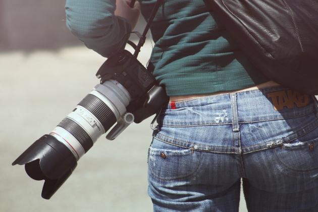 person-woman-camera-photographer